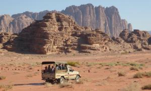 4x4 Tour In Wadi Rum With Cooked Lunch